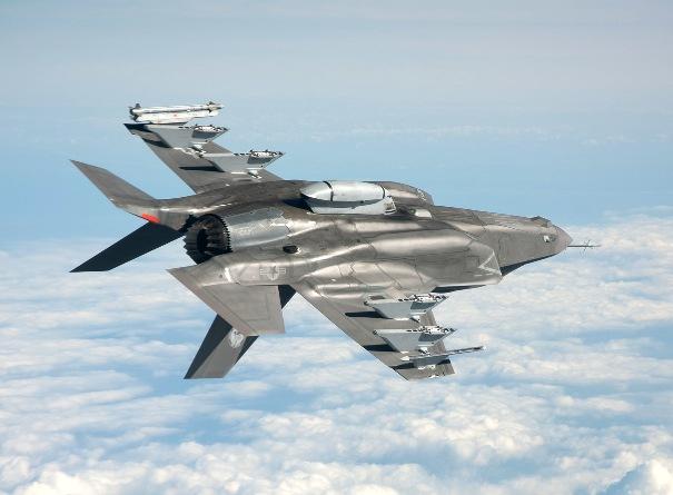 F-35_savas_ucagi_silah_yuklu_ucarken