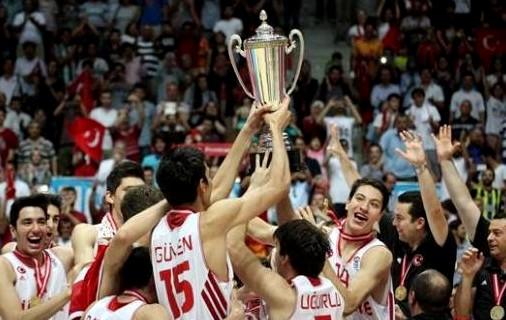 dünya basketbol şampiyonasında şampiyon olan gençler türk sporu adına ümit verdi