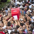 turkiye-sehitlerini-ugurladi-cenaze-tasinirken