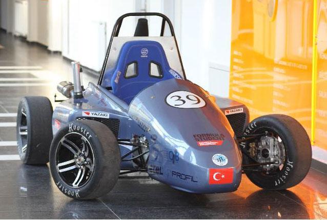 uludağ-üniversitesi-inovasyon-takımı,-yerli-yarış-arabası