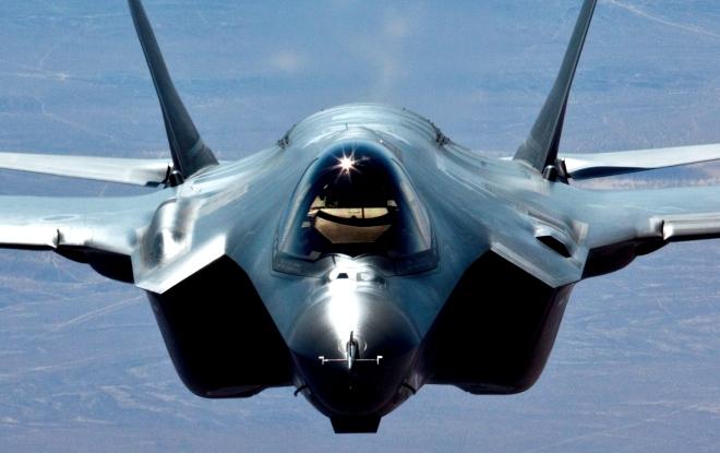 F-35 uçaklar, dünya savunmasının gözbebeği oldu.