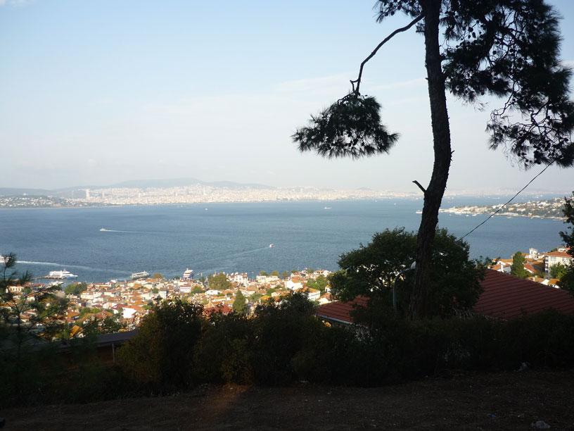 heybeliada-sirtlarindan-harika-istanbul-manzarasiHeybeliada sırtlarından muhteşem İstanbul manzarası - Video