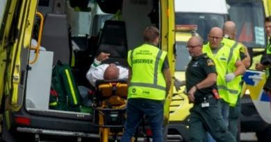 Yeni Zelanda'da Fanatik Hristiyan teröristlerden Cami saldırısı : 49 Şehit